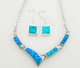 Colier si cercei din argint cu imitatie de opal verde-albastru