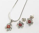 Set din argint cu aspect de aur alb: lantisor, pandantiv si cercei model floricica cu zirconiu rosu
