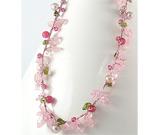 Colier cu cuart roz, cherry quartz, peridot, perle de apa dulce si sticla colorata