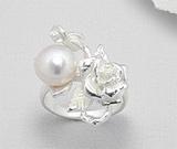 Inel model trandafir din argint cu perla de cultura