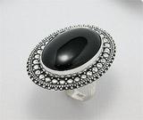 Inel din argint cu agat negru