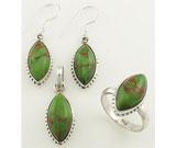 Set din argint cu piatra verde: cercei, pandantiv, inel