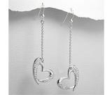 Cercei lungi model inimioare din argint cu aspect de aur alb