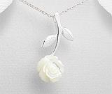 Martisoare din argint de 1 Martie: Pandantiv din argint cu trandafir din scoica alba