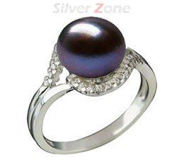 Inel din argint 925 cu aspect de aur alb cu perla de cultura neagra si imitatii de diamante
