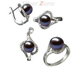 Set din argint cu perle negre de cultura si imitatii de diamante: cercei, pandantiv si inel