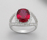 Inel din argint 925 cu aspect de aur alb cu piatra rosie
