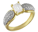 Inel cu imitatii de diamante din inox placat cu aur de 18 carate