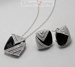 Set din argint cu cubic zirconia patrat negru si imitatii de diamante: cercei cu incuietoare tip omega si pandantiv