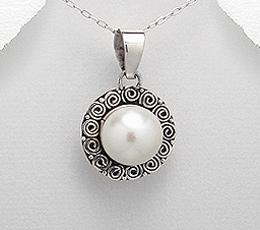 Pandantiv din argint cu perla mare alba de cultura