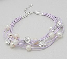 Bratara din snur de bumbac lila cu argint, perle de cultura si cristale
