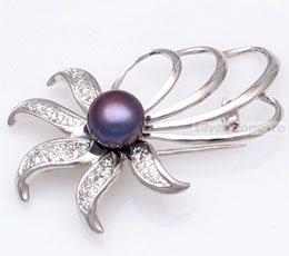 Brosa din argint cu perla neagra de cultura (de apa dulce)