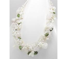 Colier din matase japoneza argintie cu pietre semipretioase peridot verde, sidef alb, cuart alb