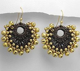 Cercei handmade cu alama din sfoara cerata crosetata