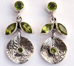 Cercei din argint cu peridot verde