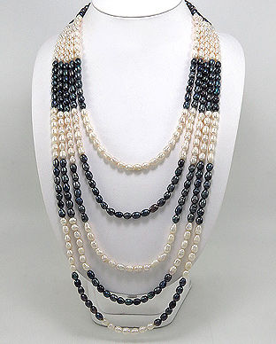 Colier din 5 siraguri cu perle albe si negre de cultura=