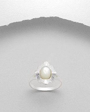 Inel din argint cu sidef alb